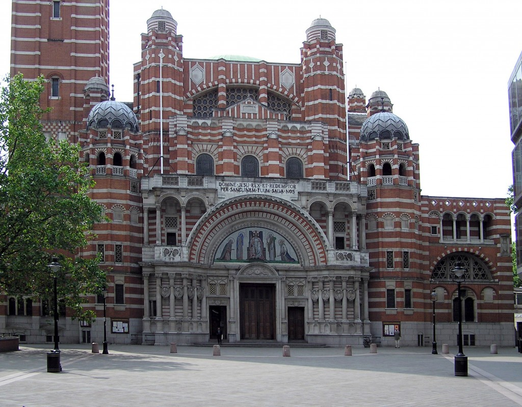 Westminster_cathedral_frontview_london_arp